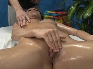 Hot hot hottie fucks and sucks her massage therapist