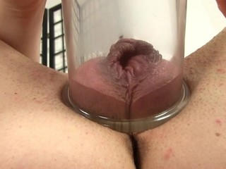 Placing a pump on her cookie creates wild pleasures for sweetheart